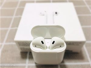 iPhone AirPods 苹果