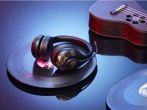 支持一键变音 小米蓝牙耳机K歌故宫特别版实拍组图