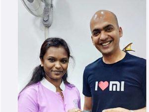 印度女米粉红米1S用了四年:对质量、?#38405;?#38750;常满意