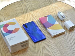 屬于年輕人的潮流手機 小米CC9深藍星球開箱