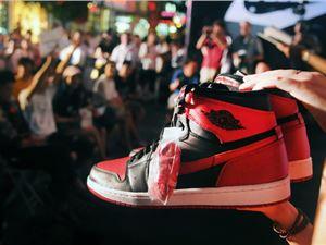 限量版球鞋 炒鞋赚钱 专职炒鞋 二手鞋 潮鞋 AJ AirJordan 虎扑 毒APP 鞋贩子