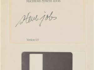 乔布斯亲笔签名软盘最终拍卖价达8.4万美元