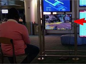 """美国男子""""劫持""""一机场显示屏只为玩PS4游戏解闷"""